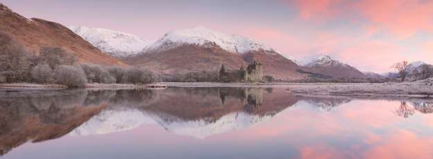 David Speight Misty Dawn at Kilchurn castle